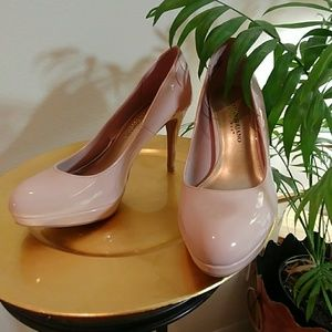 NWOT, nude patent leather heels